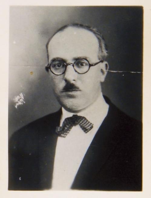 27_-_Fernando_Pessoa_em_1928